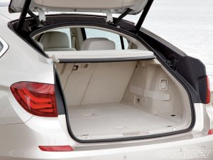 eurp_0911_05_o+bmw_5gt+boot_space